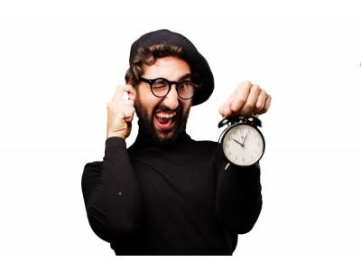 Почему часовой механизм тикает?